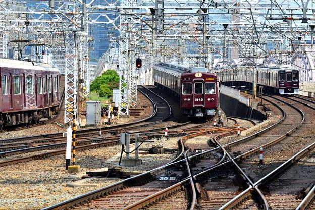 2017_0610_150933 同時到着 京都線先行