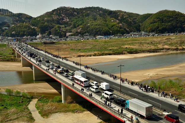 2018_0331_101638 木津川を渡る木津川御幸橋