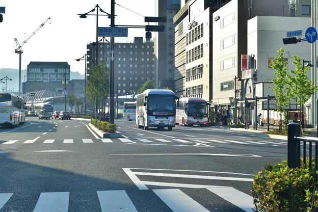 2018_0602_055616 早朝の京都駅八条口