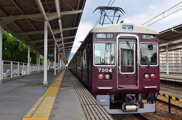 2018_1219_115912阪急千里線 7300系梅田行