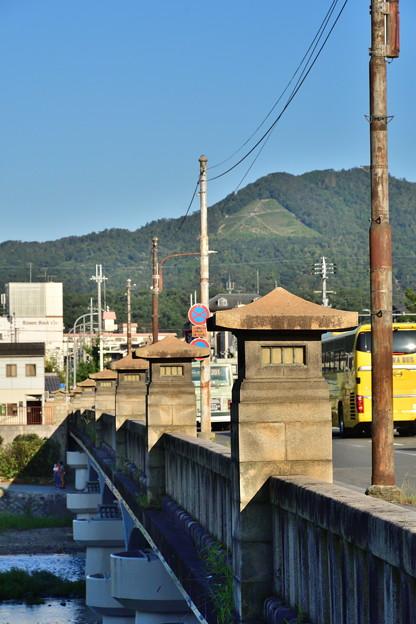 2019_0915_163646 加茂大橋から如意ヶ嶽(大文字山)