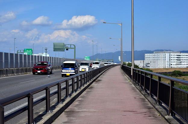 2019_1027_140056 第二京阪道路と側道