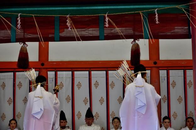 2020_0102_144505 清祓の神楽舞