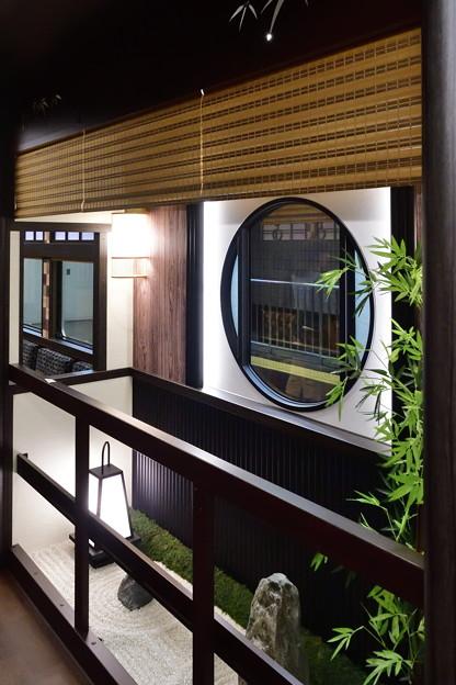 2019_0609_103056 京とれいん雅楽 車内の坪庭