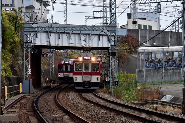 2020_1213_160514 近鉄京都線との交差