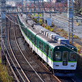 Photos: 2020_1206_135213 宇治川堤防沿いを走る電車