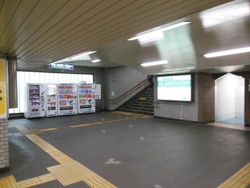 鴻池新田コンコース