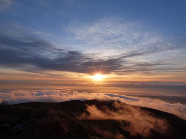 栗駒山朝日4 雲海