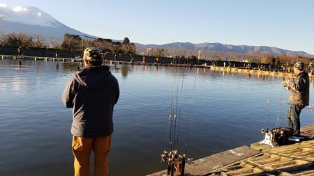 東山湖で平成最後の釣り納め^^