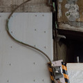 ガード下のメーター