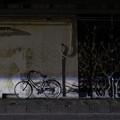 Photos: 壁際の自転車