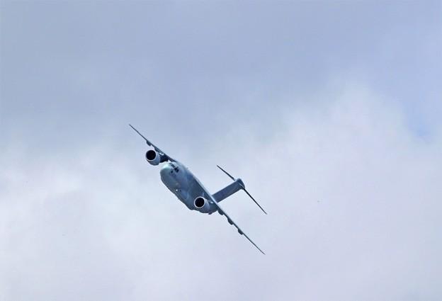 Photos: C-2 航過飛行