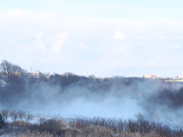 Photos: 一級河川に立ち昇る気嵐  1