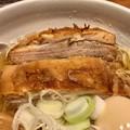 人類みな麺類東京本店、macroの肉