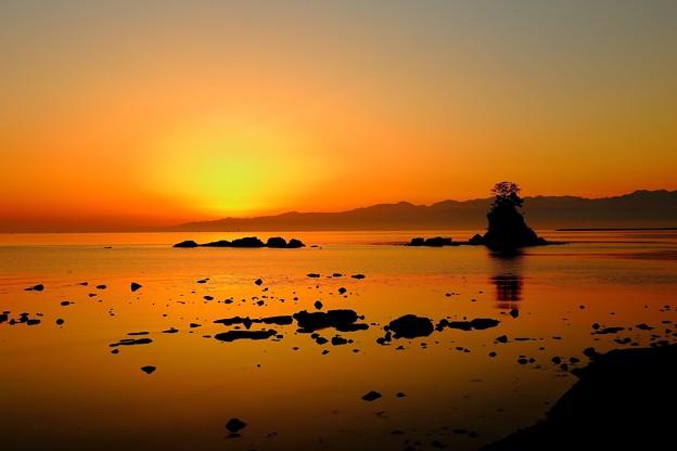 日の出前の雨晴海岸 IMG_0335.JPG