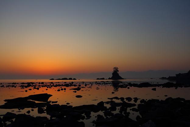 日の出前の雨晴海岸 IMG_0598