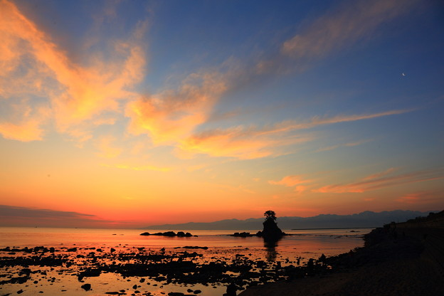 雨晴海岸の夜明け IMG_3581
