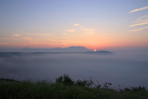 写真: ☆雲海の久住黎明
