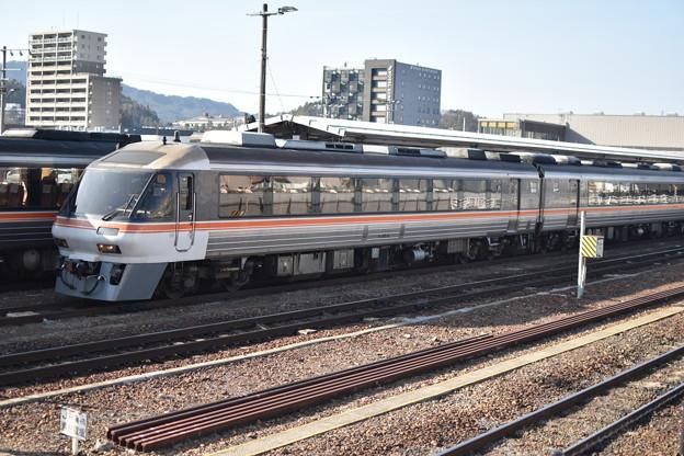 キハ85系 高山駅にて