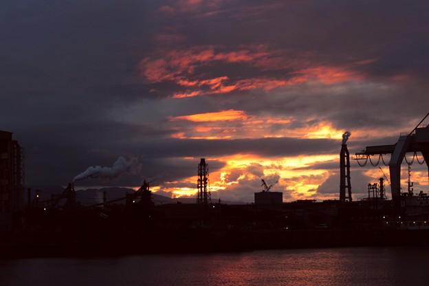 夕暮れの工業地帯2