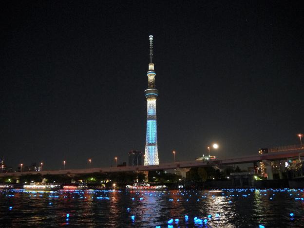 Photos: 東京ホタルと月