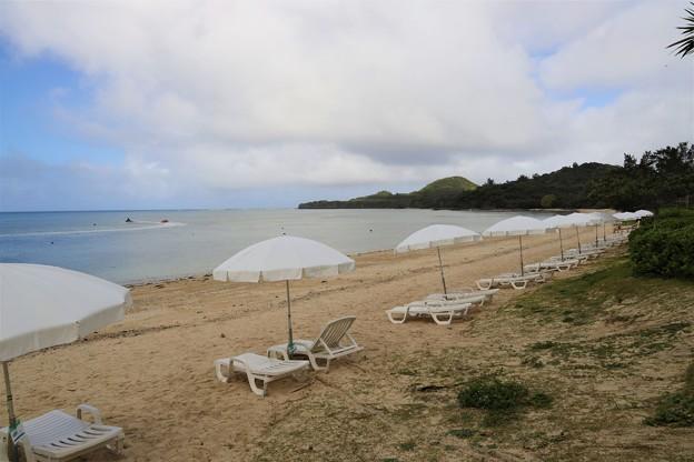 Photos: 晩秋のビーチ