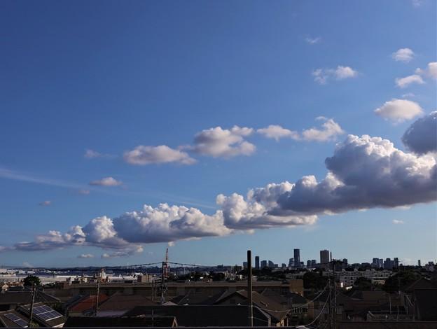 夏雲たなびく
