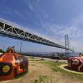 明石海峡大橋とケーソン係留用シンカー