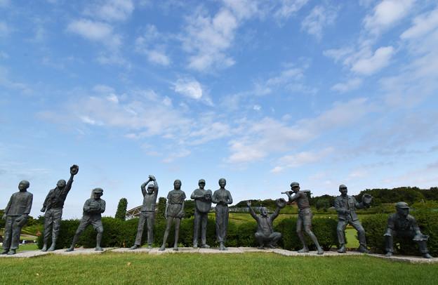 Photos: 瀬戸内少年野球団像