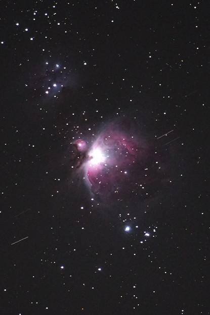Photos: M42と人工衛星