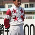 写真: 山本 正彦 騎手1500勝達成セレモニー_1(06/05/03・旭川競馬場)