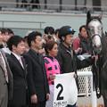 Photos: ストラディヴァリオ 口取り(06/03/18・1R)