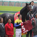 Photos: 第43回 スポーツニッポン賞ステイヤーズステークス 口取り(09/12/05)