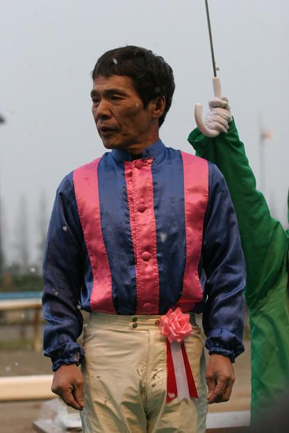 山中 利夫 騎手(05/12/11・第41回 中日杯)