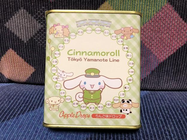 シナモロール in 東京キャラクターストリート 山手線シリーズ 缶ドロップ(りんご味)