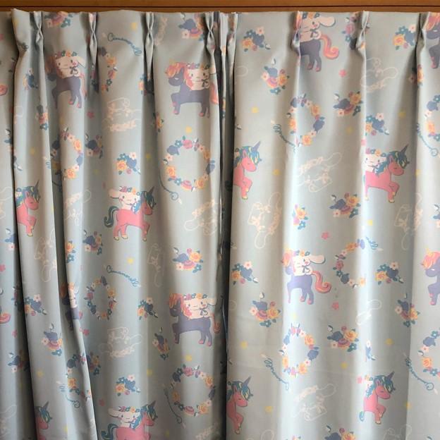 シナモロールドレープカーテン