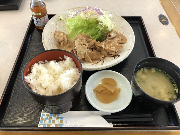 黒豚生姜焼き定食