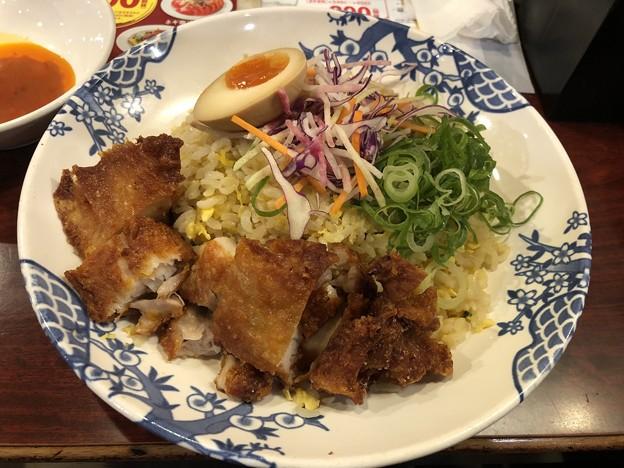 シンガポール風揚げ鶏の海南チャーハン