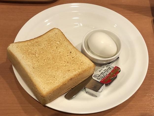 Photos: 洋風モーニング J トースト&ゆで卵セット