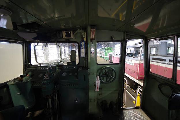 s0328_DD132運転台内部2位側_小坂鉄道レールパーク