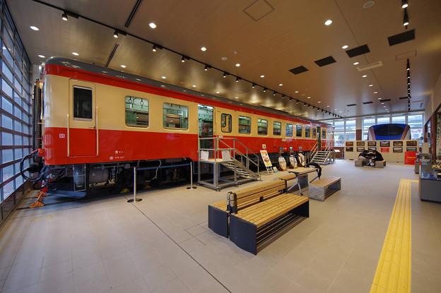 s7147_糸魚川ジオステーションジオパル_キハ52156展示