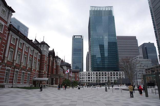s0336_東京駅丸の内側南側_KITTEビル他