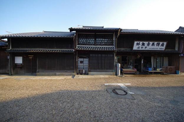s2462_関宿の風景_二階手摺と格子の意匠