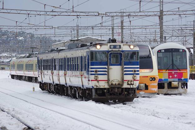Photos: s9020_キハ471517他_E653系電車_485系電車きらきらうえつ編成_酒田