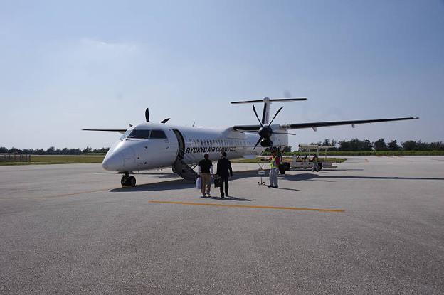 s0520_RAC835便_JA83RC_南大東空港