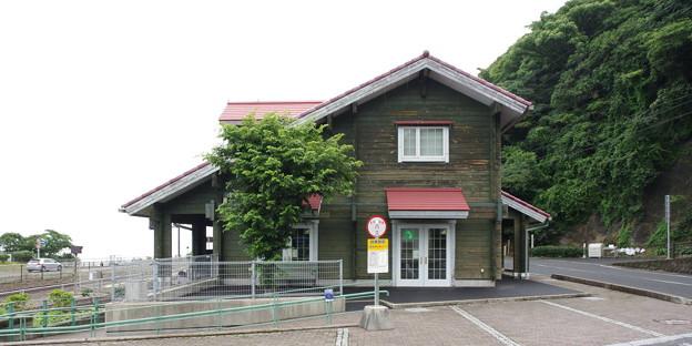 s5377_田儀駅と手引ヶ丘公園案内所_島根県出雲市_JR西_t
