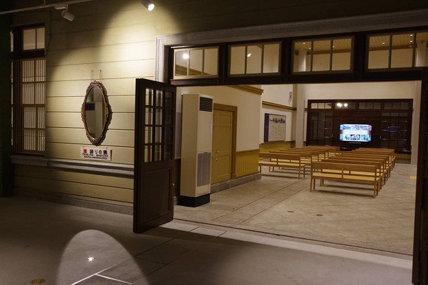 s6422_門司港駅待合室