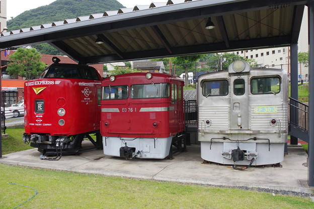 s6496_九州鉄道記念館前の車両先頭部カット_ct