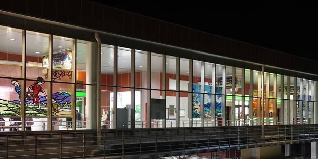 s6584_石岡駅の窓ガラス_t