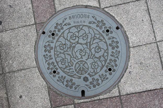 s8756_大阪市マンホール_平成元年市制100周年